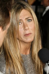 jennifer-aniston-sad-1
